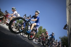 UnitedHealthcare_Pro_Cycling_through_turn_four